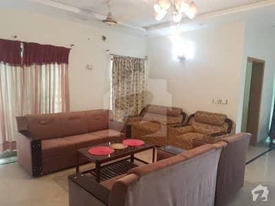 ڈی ایچ اے فیز 4 - بلاک ڈیڈی فیز 4 ڈیفنس (ڈی ایچ اے) لاہور میں 3 کمروں کا 1 کنال بالائی پورشن 52 ہزار میں کرایہ پر دستیاب ہے۔