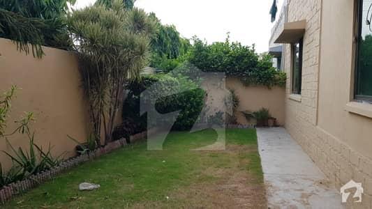 پی اے ایف فالکن کمپلیکس گلبرگ لاہور میں 4 کمروں کا 14 مرلہ مکان 1.1 لاکھ میں کرایہ پر دستیاب ہے۔