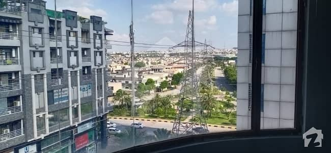 بحریہ ٹاؤن ۔ سوِک سینٹر بحریہ ٹاؤن فیز 4 بحریہ ٹاؤن راولپنڈی راولپنڈی میں 1 کمرے کا 2 مرلہ فلیٹ 40 لاکھ میں برائے فروخت۔