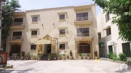 ڈی ایچ اے فیز 2 ڈیفنس (ڈی ایچ اے) لاہور میں 3 کمروں کا 9 مرلہ فلیٹ 3.75 لاکھ میں کرایہ پر دستیاب ہے۔