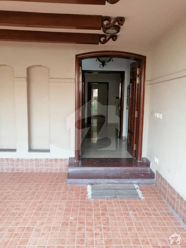10 Marla Spanish Out Class Location House Available For Rent In Phase 4