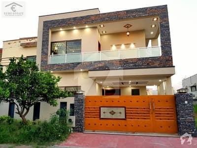 بحریہ ٹاؤن فیز 3 بحریہ ٹاؤن راولپنڈی راولپنڈی میں 5 کمروں کا 10 مرلہ مکان 2.65 کروڑ میں برائے فروخت۔