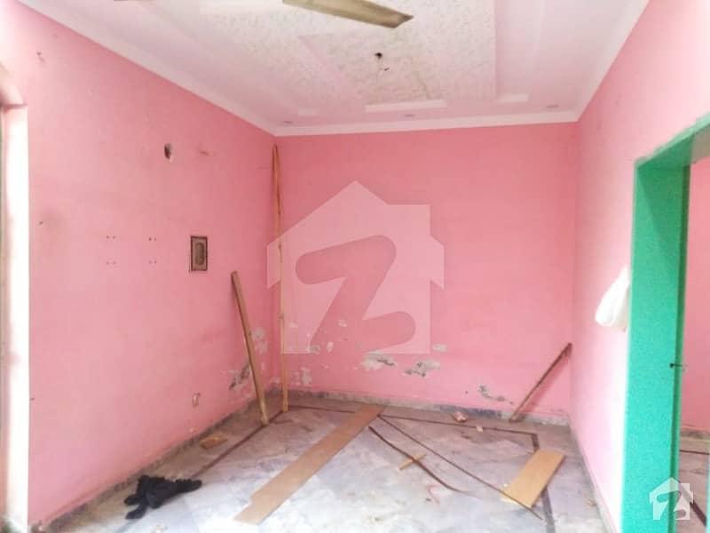 بیدیاں روڈ لاہور میں 2 کمروں کا 5 مرلہ مکان 17 ہزار میں کرایہ پر دستیاب ہے۔