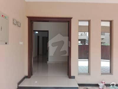 عسکری 10 - سیکٹر ایف عسکری 10 عسکری لاہور میں 5 کمروں کا 17 مرلہ مکان 4.3 کروڑ میں برائے فروخت۔