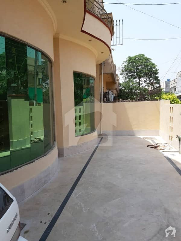 Wapda Town Lower Portion Sized 2250  Square Feet For Rent