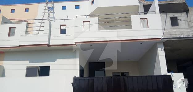 ملتان پبلک سکول روڈ ملتان میں 4 کمروں کا 5 مرلہ مکان 65 لاکھ میں برائے فروخت۔