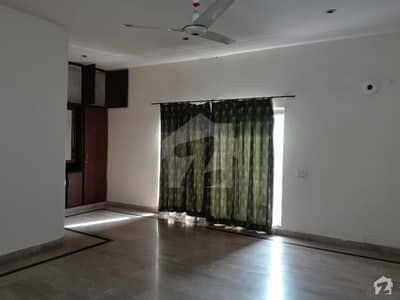 1 Kanal Upper Portion In Main Canal Bank Road For Rent