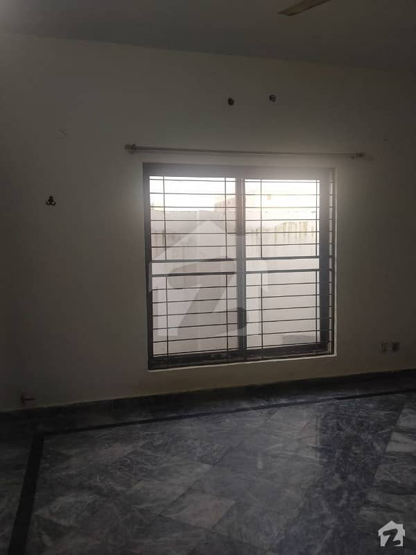 10 Marla Lower Portion For Rent In Muhafiz Town Lahore