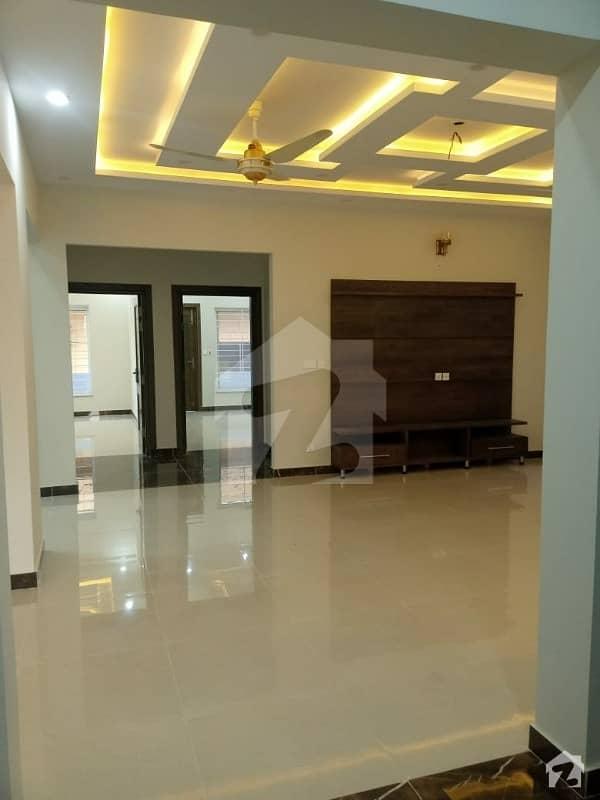 جی ۔ 14 اسلام آباد میں 3 کمروں کا 14 مرلہ مکان 60 ہزار میں کرایہ پر دستیاب ہے۔