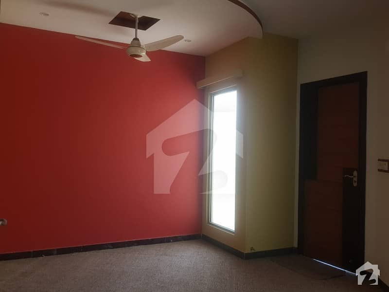 ورسک روڈ پشاور میں 6 کمروں کا 6 مرلہ مکان 1.62 کروڑ میں برائے فروخت۔