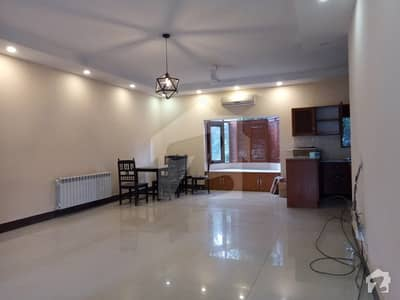 3 Bed Apartment Ground Floor In Gulberg