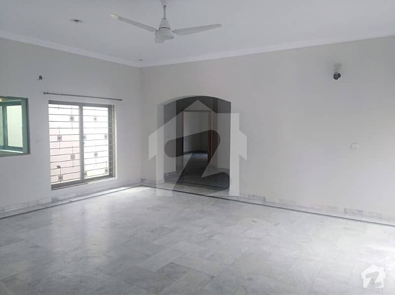 Abrar Estate Offers 1 Kanal Lower Portion For Rent At PIA Scheme With Servant Quarter