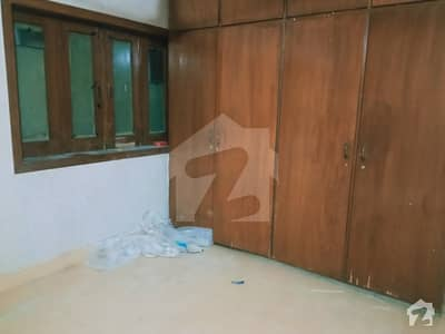 Room For Rent With Attach Washroom Jail Road Near Qartaba Chowk Preferred Student Job Holder