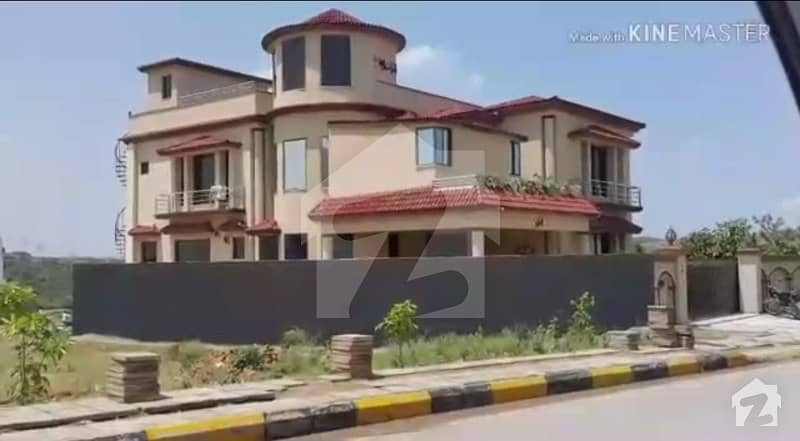 Well Constructed 1 Kanal House On Ideal Location For Sale In A Block Phase 8