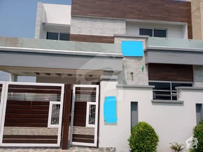 10 Marla Triple Storey Brand New First Entry Full House For Rent In Tariq Gardens