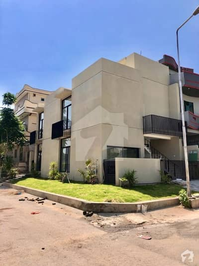 5 Marla Corner Spectacular Double Unit House For Sale In Islamabad