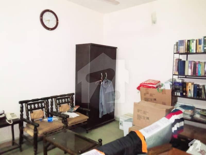 گلستانِِ جوہر ۔ بلاک 17 گلستانِ جوہر کراچی میں 4 کمروں کا 5 مرلہ مکان 2.1 کروڑ میں برائے فروخت۔