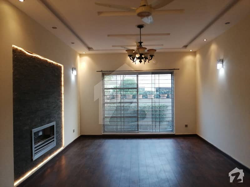 10 Marla Renovated House Available In Dha Phase 5 L Block