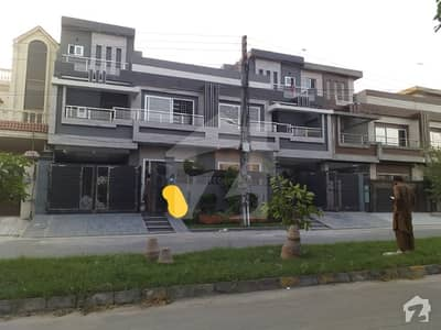 10 Marla Brand New House For Sale At Prime Location In Reasonable Price