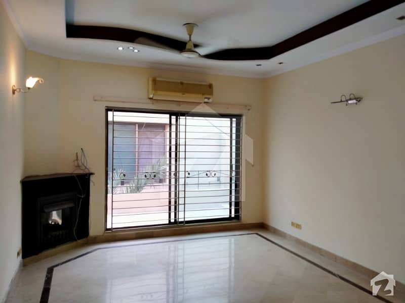 Luxury Kanal House For Rent Prime Location In Dha Phase 4