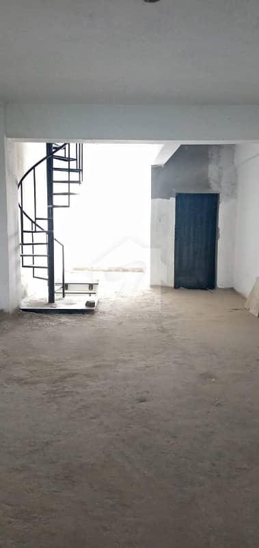 ایف ۔ 11 مرکز ایف ۔ 11 اسلام آباد میں 7.2 کنال عمارت 26 کروڑ میں برائے فروخت۔