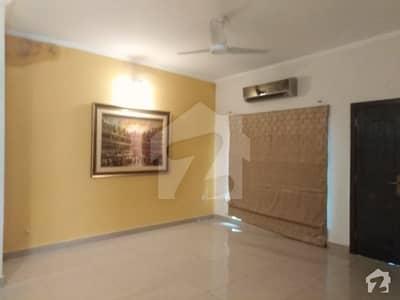 پی اے ایف فالکن کمپلیکس گلبرگ لاہور میں 5 کمروں کا 1 کنال مکان 1.25 لاکھ میں کرایہ پر دستیاب ہے۔