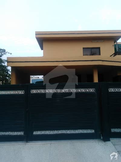 Lower Portion One Kanal House Is Available For Rent