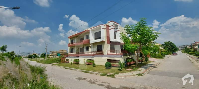 1 Kanal Size 50x90 Triple Story 3 Sided Corner House For Sale In D17 Islamabad