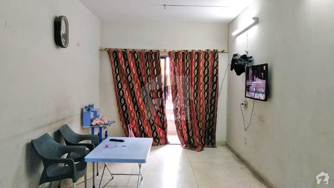 گلشن اقبال - بلاک 10-A گلشنِ اقبال گلشنِ اقبال ٹاؤن کراچی میں 2 کمروں کا 4 مرلہ فلیٹ 32 ہزار میں کرایہ پر دستیاب ہے۔