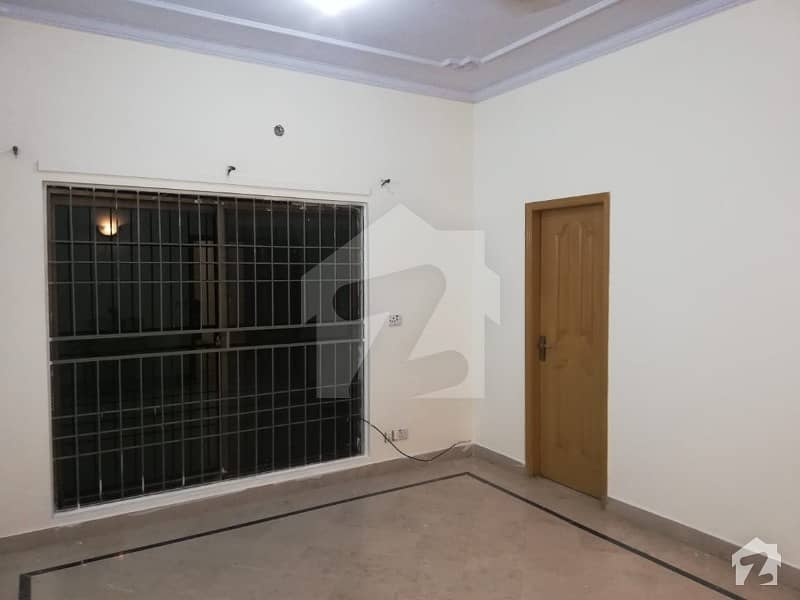 01 Kanal Beautiful House Upper Portion For Rent At Prime Location In Dha Phase 4