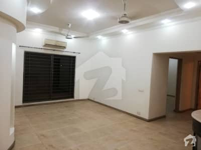 01 Kanal Separate Gate Upper Portion House Available For Rent In Dha Phase 4