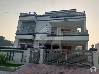 پی ڈبلیو ڈی روڈ اسلام آباد میں 4 کمروں کا 12 مرلہ بالائی پورشن 45 ہزار میں کرایہ پر دستیاب ہے۔