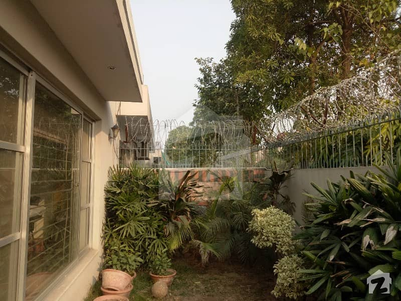 10 Marla House For Rent In DHA Phase 5 Available