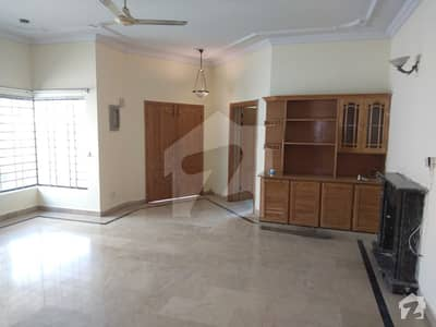 4 Bed Beautiful Upper Portion For Rent In F-11 Islamabad