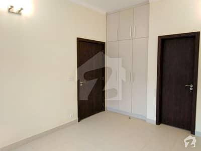 بحریہ ٹاؤن - پریسنٹ 2 بحریہ ٹاؤن کراچی کراچی میں 2 کمروں کا 4 مرلہ فلیٹ 64 لاکھ میں برائے فروخت۔