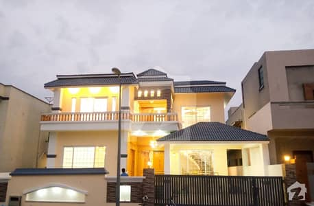 One Kanal 3 Unit Well Designed House In Defense