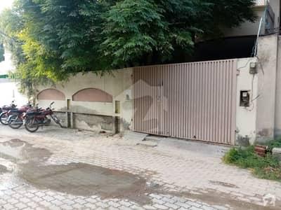 فیصل کالونی اوکاڑہ میں 3 کمروں کا 15 مرلہ زیریں پورشن 30 ہزار میں کرایہ پر دستیاب ہے۔