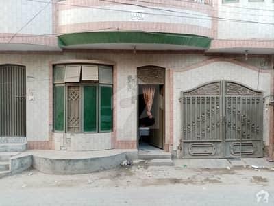 فیصل آباد روڈ اوکاڑہ میں 4 کمروں کا 5 مرلہ مکان 85 لاکھ میں برائے فروخت۔