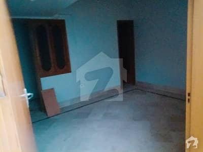 محمود آباد کراچی میں 3 کمروں کا 4 مرلہ مکان 35 ہزار میں کرایہ پر دستیاب ہے۔