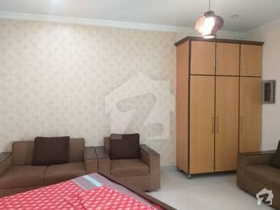 ٹارگٹ ٹریڈ سینٹر جیل روڈ لاہور میں 1 کمرے کا 1 مرلہ کمرہ 35 ہزار میں کرایہ پر دستیاب ہے۔
