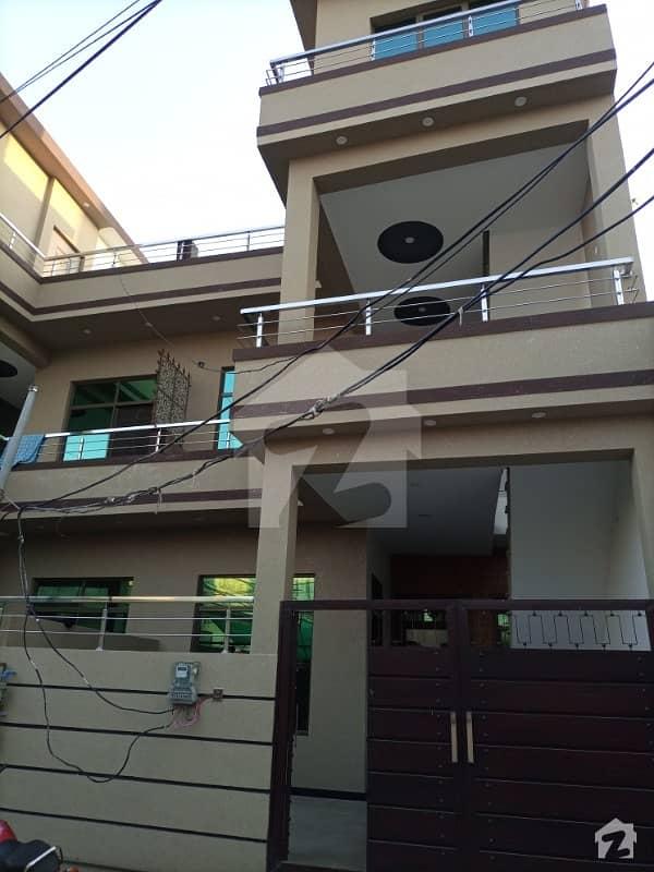 افشاں کالونی راولپنڈی میں 5 کمروں کا 6 مرلہ مکان 1.35 کروڑ میں برائے فروخت۔