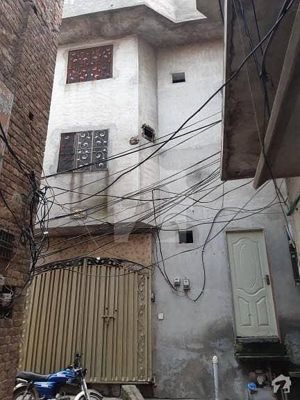 مغل پورہ ڈسکہ میں 5 کمروں کا 4 مرلہ مکان 55 لاکھ میں برائے فروخت۔