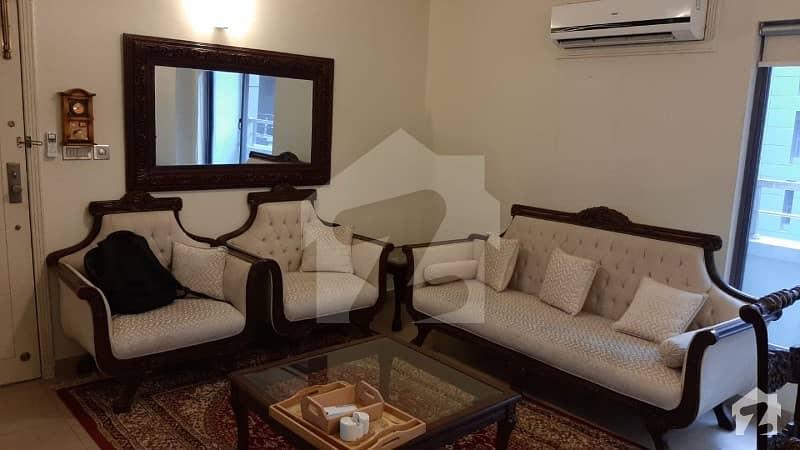 قراقرم ڈپلومیٹک انکلیو اسلام آباد میں 2 کمروں کا 9 مرلہ فلیٹ 5.5 کروڑ میں برائے فروخت۔