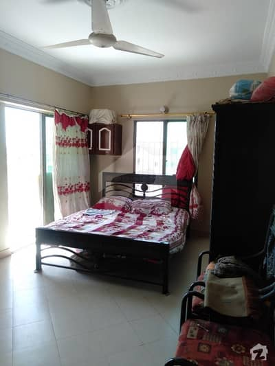 Sunview Arcade 1350 Sq Feet Flat For Sale