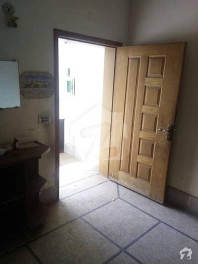 پی آئی اے ہاؤسنگ سکیم ۔ بلاک سی پی آئی اے ہاؤسنگ سکیم لاہور میں 1 کمرے کا 1 مرلہ فلیٹ 14 ہزار میں کرایہ پر دستیاب ہے۔
