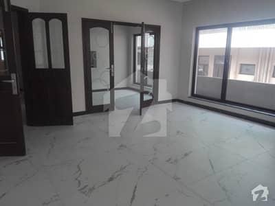 ایف ۔ 11/4 ایف ۔ 11 اسلام آباد میں 6 کمروں کا 1 کنال مکان 7.8 کروڑ میں برائے فروخت۔
