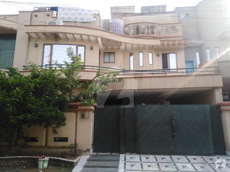 10 Marla Lower Portion In PCSIR Housing Scheme For Rent