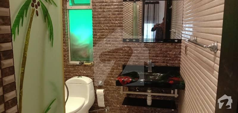 ڈی ایچ اے فیز 5 - بلاک ایل فیز 5 ڈیفنس (ڈی ایچ اے) لاہور میں 1 کمرے کا 10 مرلہ کمرہ 28 ہزار میں کرایہ پر دستیاب ہے۔
