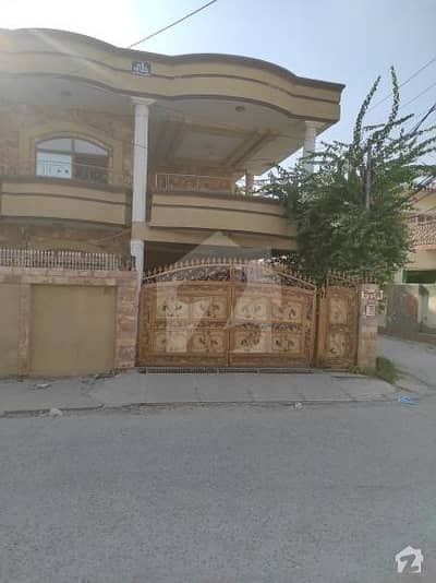 6500  Square Feet Corner House In Aslam Shaheed Road For Sale At Good Location