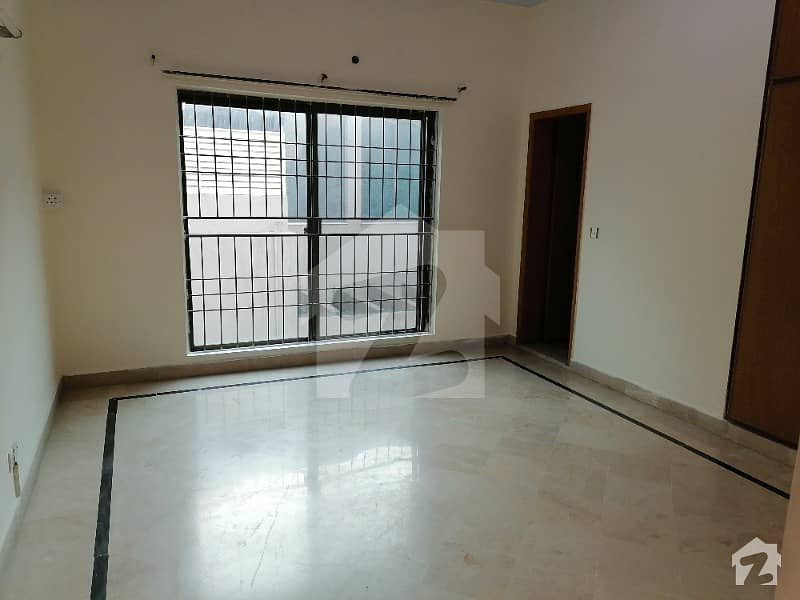 One Kanal Lavish Upper Portion Available For Rent